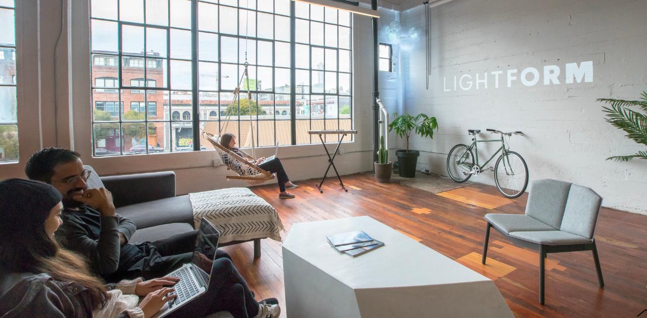 Lightformの会社概要